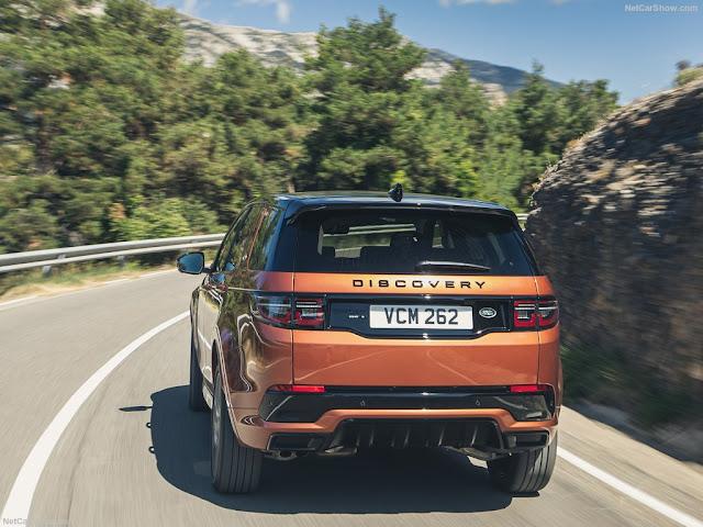 Đuôi xe của Land Rover Discovery Sport được nâng cấp hiện đại hơn