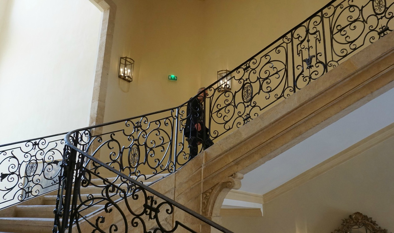 Hotel de Caumont stairs to exhibition