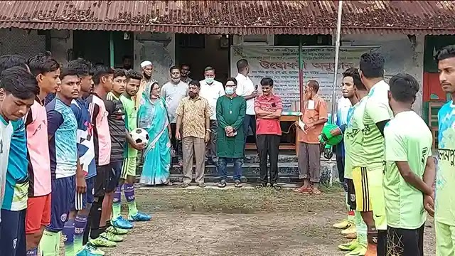 ইসলামপুরে বঙ্গবন্ধু ও বঙ্গমাতা জাতীয় গোল্ডকাপ ফুটবল টুর্নামেন্ট