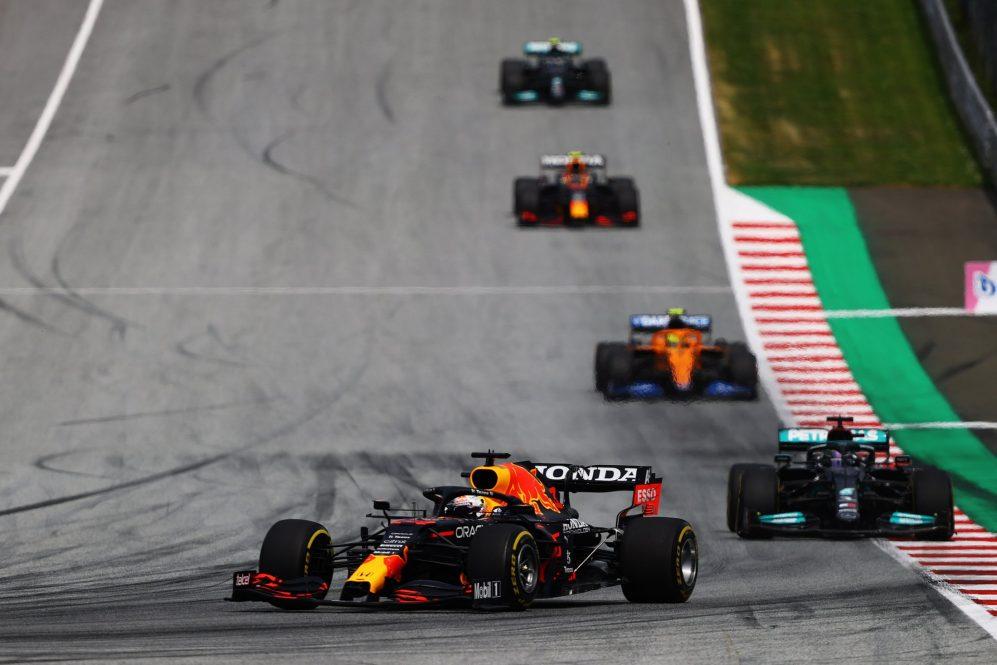 A luta de desenvolvimento entre a Red Bull e a Mercedes pode não ter terminado como pensávamos ...