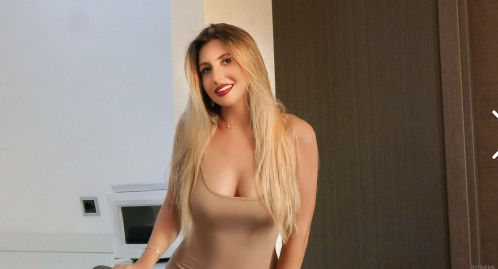 https://www.glamourcams.live/chat/SereneRose