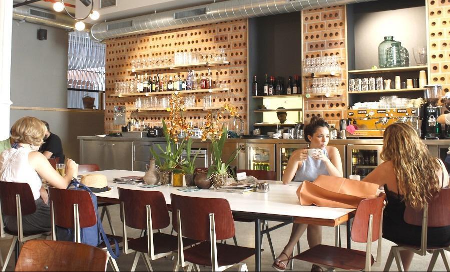 Desde La Terraza De Amador More Cafeterias Appear That