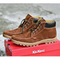 sepatu kickers boot