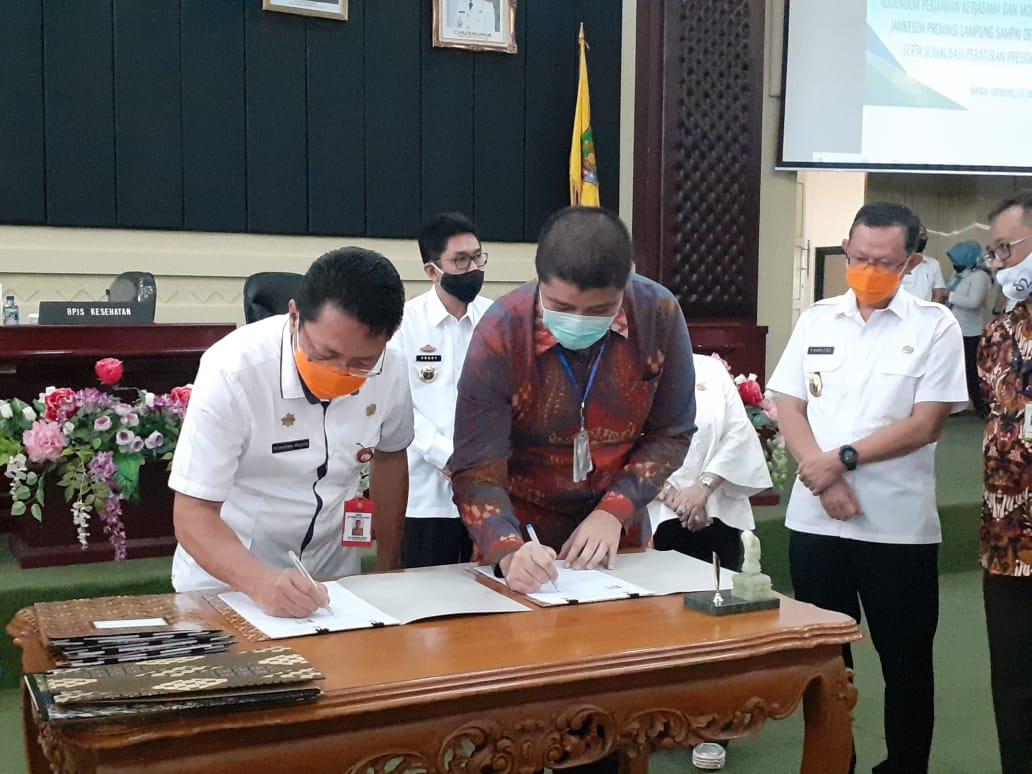 SekDa Provinsi Lampung, Fahrizal Darminto, Hadiri acara Penandatanganan Addendum Perjanjian Kerjasama dan Monitoring Evaluasi Pelaksanaan Jamkesda