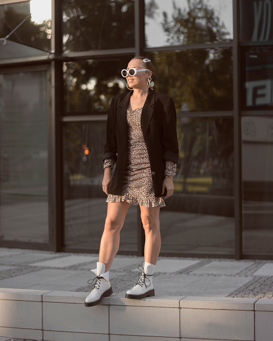 fashion blogger leo print dress femme luxe white biker boots white sunglasses pins aliexpress gold earings oversized black jacket