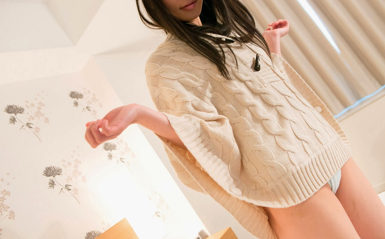 kanon takigawa stripping naked in the bed 01