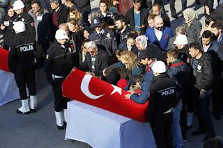 Turki Kembali Di Serang Bom Bunuh Diri Yang Dikirim Militan Kurdi Akibat Serangan ini 38 Orang Tewas - Commando