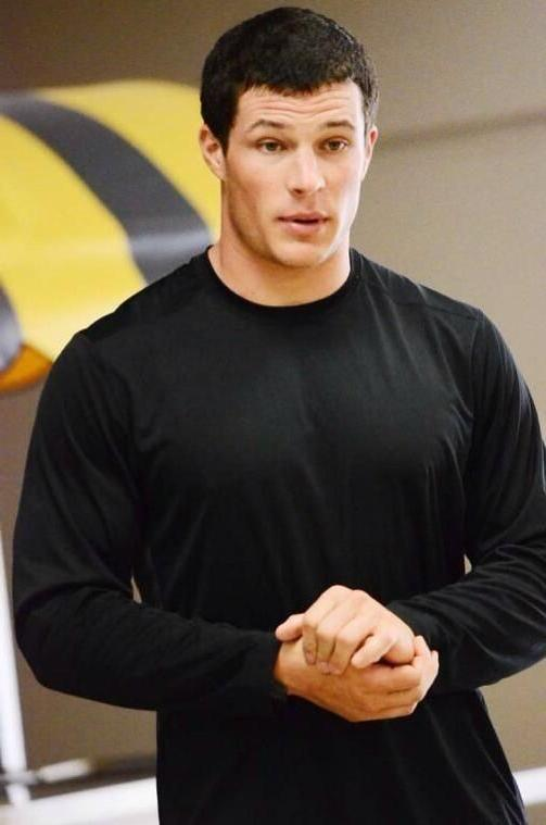 handsome-former-football-players-luke-kuechly-fit-daddy-muscular-dilf