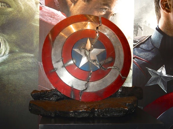 Broken Captain America shield prop Avengers Age of Ultron