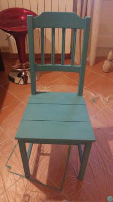 Restauro trasformazione sedia vintage colori acrilici Fleur azzurro