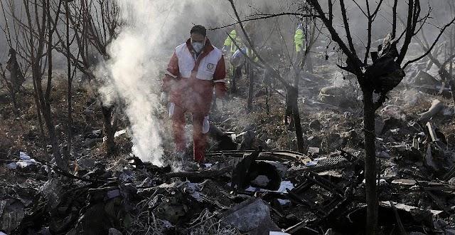 Még a levegőben kigyulladt, és visszafordult a lezuhant ukrán gép Irán szerint