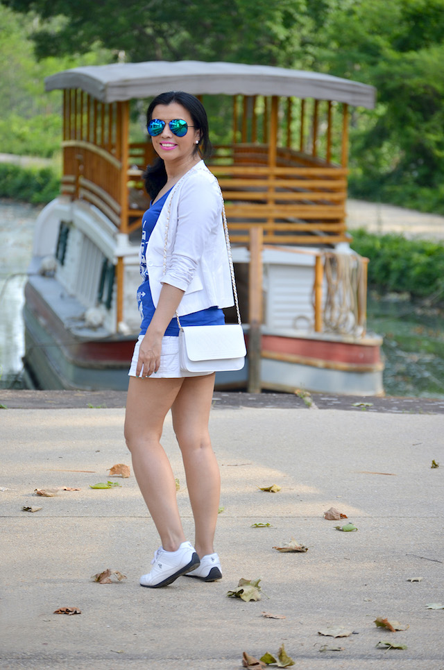 Wearing: Tshirt/ Camiseta: Be Amazed Boutique Shoes/Zapatos: Polo Ralph Lauren Bag/Bolso: CNDirect Blazer/Chaqueta: Lord & Taylor Mini Skirt/ Mini Falda: Macy's