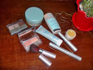 Make-Up Walau Di Rumah Saja, Kenapa Nggak?