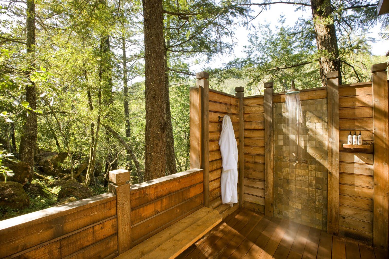 At Home: Killer Outdoor Bathrooms