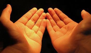 Saat Kau Didzalimi Orang Lain Berdoalah, Karena Doamu Dikabulkan