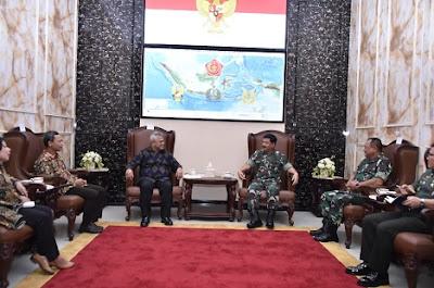 Panglima TNI bersama Ketua KPU