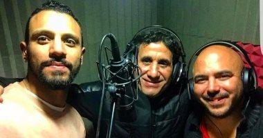 الفنان محمود العسيلي وشيبة وثروت يدعمون المنتخب بأغنية جديدة بعد وصولة للنهائيات