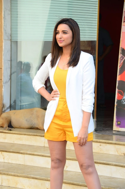 Parineeti Chopra  IMAGES, GIF, ANIMATED GIF, WALLPAPER, STICKER FOR WHATSAPP & FACEBOOK