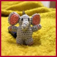mini elefante para pendrive amigurumi
