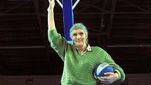 En uzun basketbolcu Türk kadın kimdir?