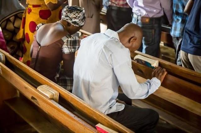 Suspeitos de pistoleiros Fulani invadem serviço da igreja batista na Nigéria, raptam 4 adoradores e deixa 1 morto