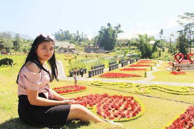Ari Indriyani blooms garden