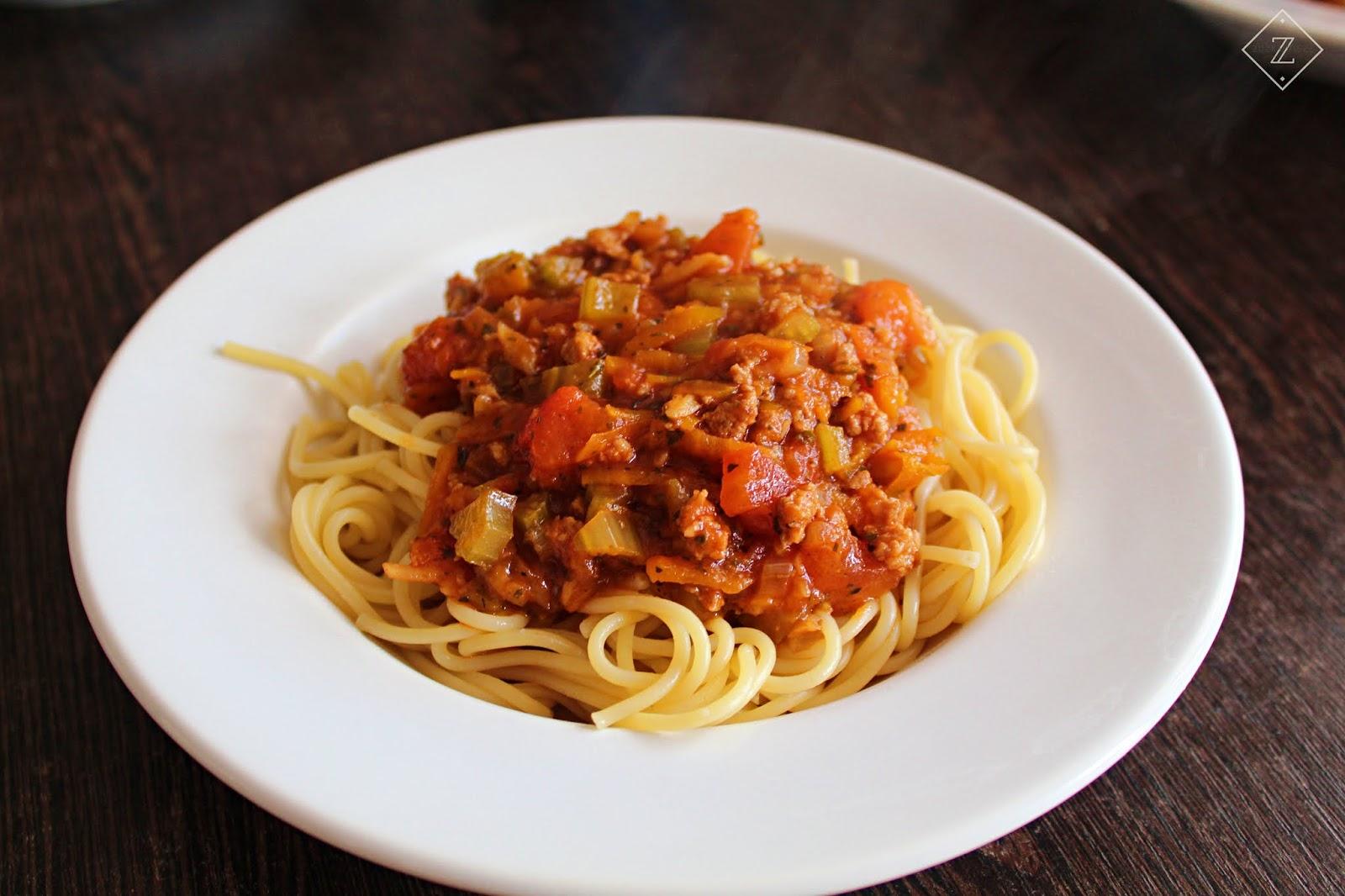 Spaghetti w sosie bolońskim - przepis