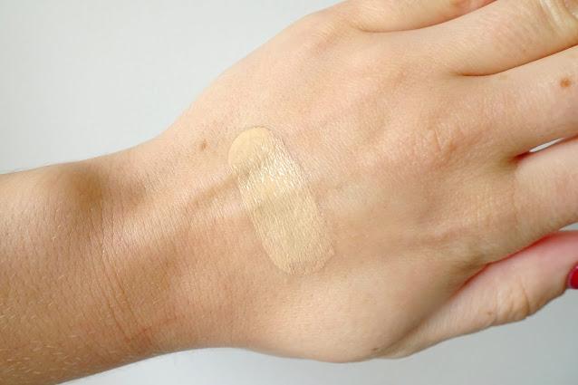 recenzja podkładu clarins skin illusion 110 honey swatch