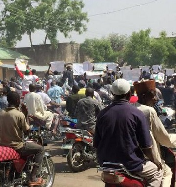 Massive Protest In Support Fuel Hike, Buhari 'Erupts' In Bauchi, See Photos