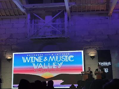 ecrã a mostras o Wine & Music Festiva