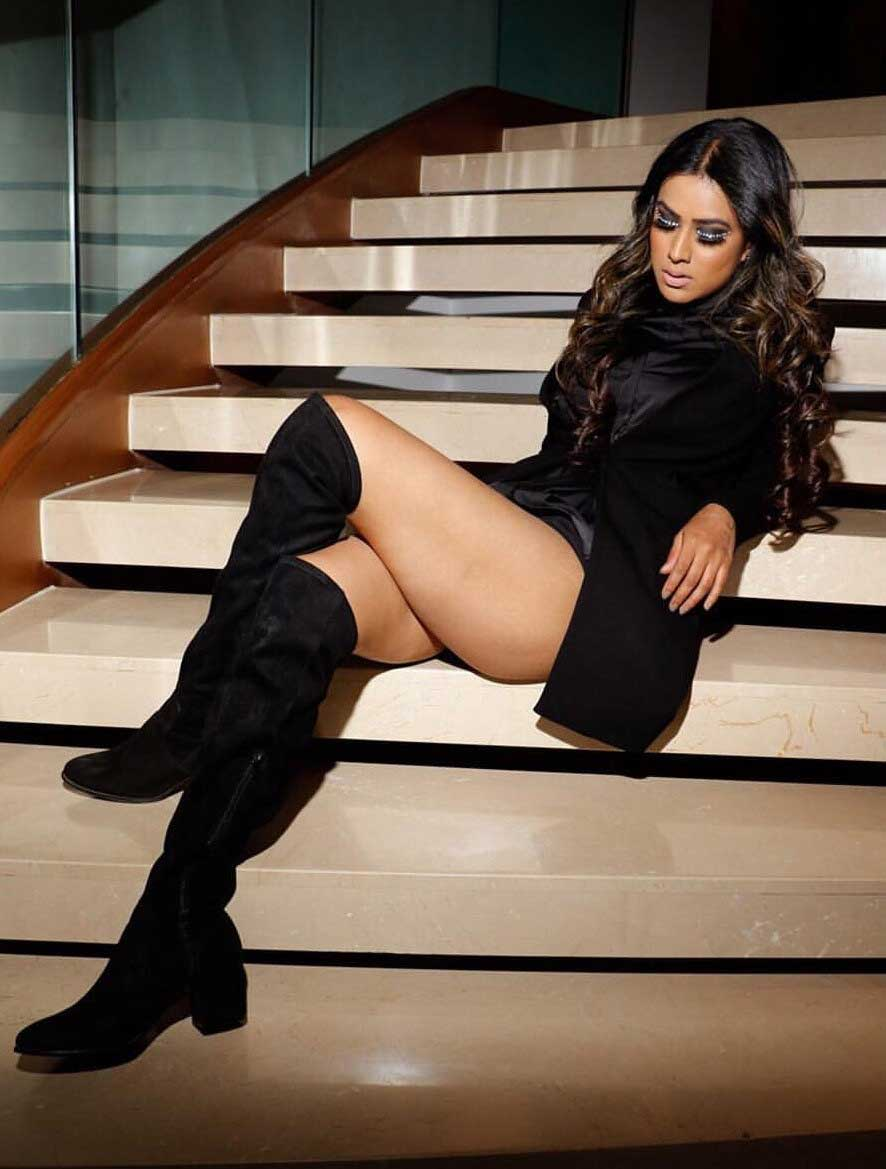 Nia Sharma Hot and Sexy Thighs