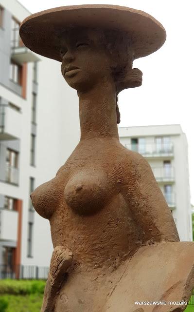 Warszawa Warsaw rzeźba Edward Piwowarski Czesław Kałużny Syrenka Kobieta Czułość