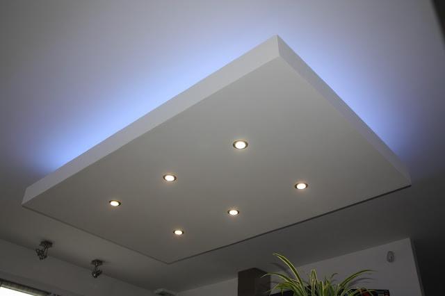 décaissement, décroché, design, faux plafond, ilot central, moderne, plafond descendu, spot, suspendu, ruban led, bandeau, rétro-éclairage, éclairage indirect