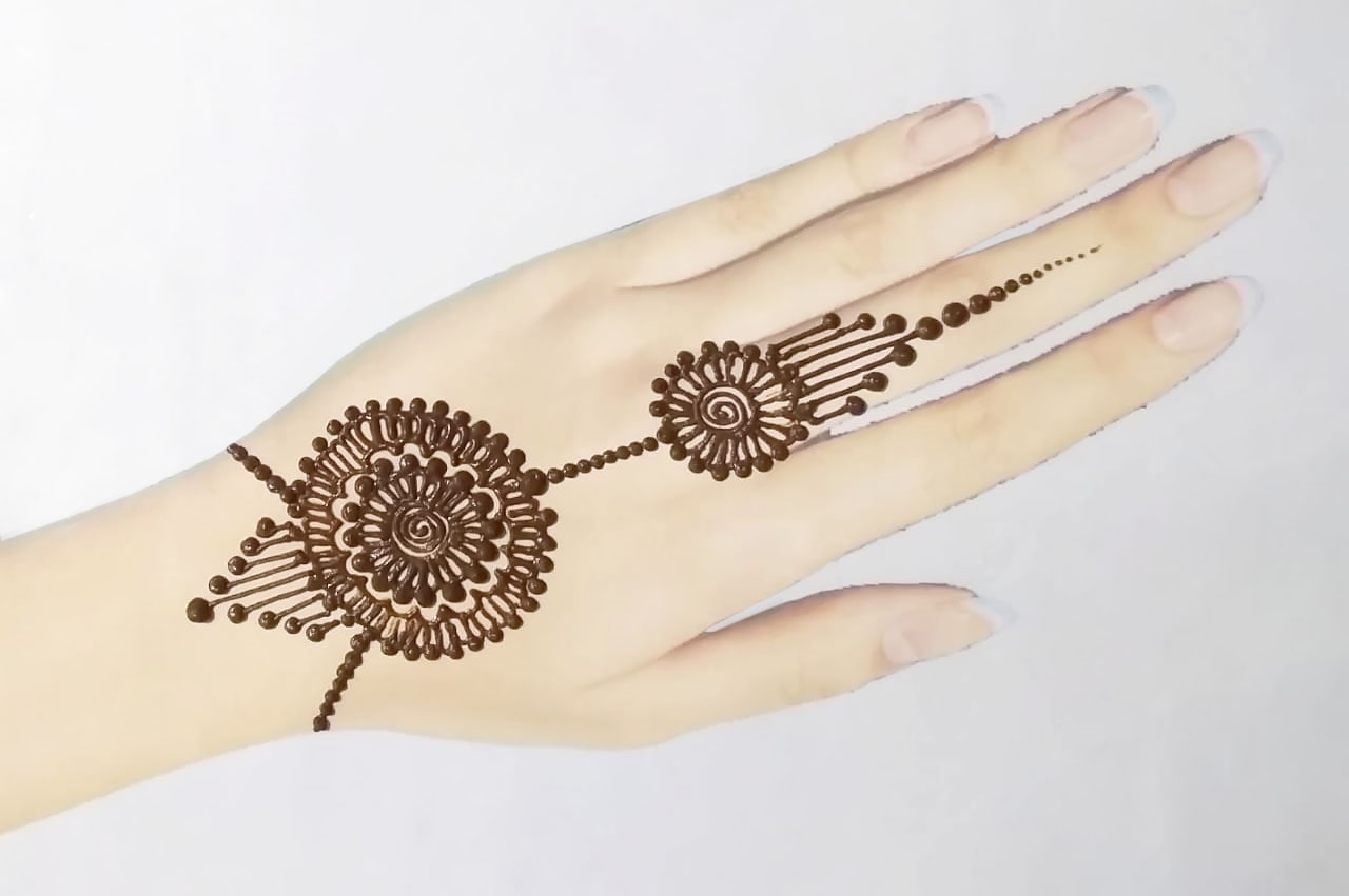 Simple Henna Tattoos