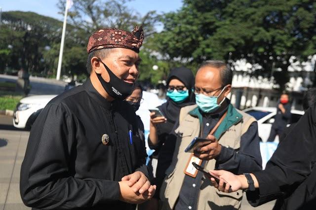 Oded Apresiasi PLN Atas Bantuan 750 Paket Sembako Untuk Warga Bandung