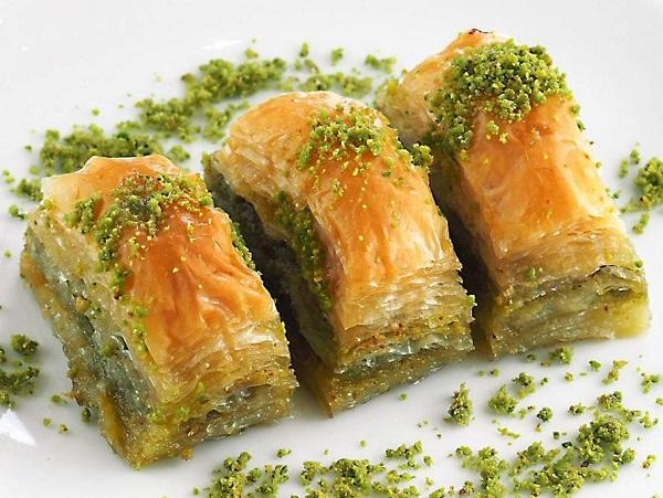 How to make baklava pistachio Halabi