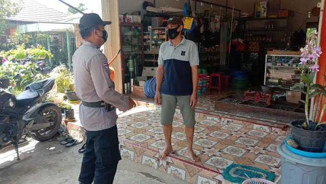 Bhabinkamtibmas Desa Pangkoh Hilir Ajak Warga Binaannya  agar Patuhi Protokol Kesehatan di Masa Pandemi Covid-19