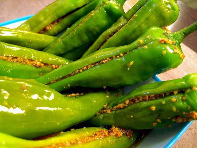 Green chilli pickle recipe-हरी मिर्च का अचार कैसे डालें