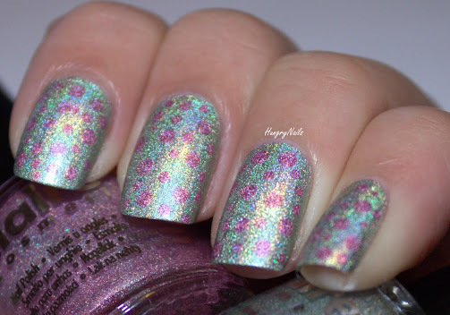 http://hungrynails.blogspot.de/2013/12/holo-design-rosa-triff-silber.html