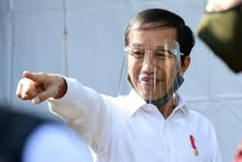 Kenakan Pelindung Wajah, Presiden Jokowi Blusukan ke Pasar  Banyuwangi