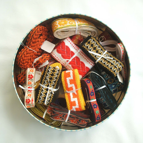 pouch vintage selection of vintage trim and ribbon