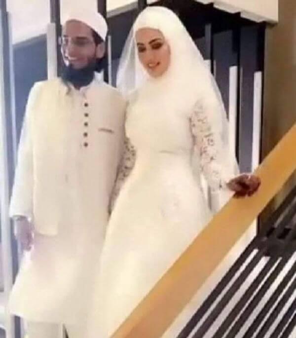 Sana khan Surprise wedding Photo gone viral.