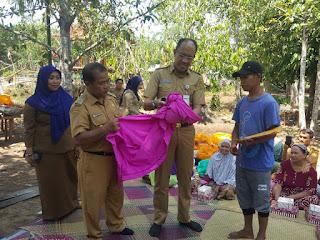 Penyerahan Bantuan dari Dinas Pariwisata Kota Banjarmasin kepada Pokdarwis Senanjung