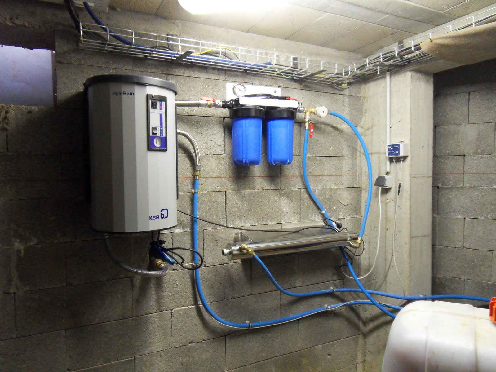 naissance d 39 une maison de paille en picardie l 39 eau de pluie au robinet. Black Bedroom Furniture Sets. Home Design Ideas