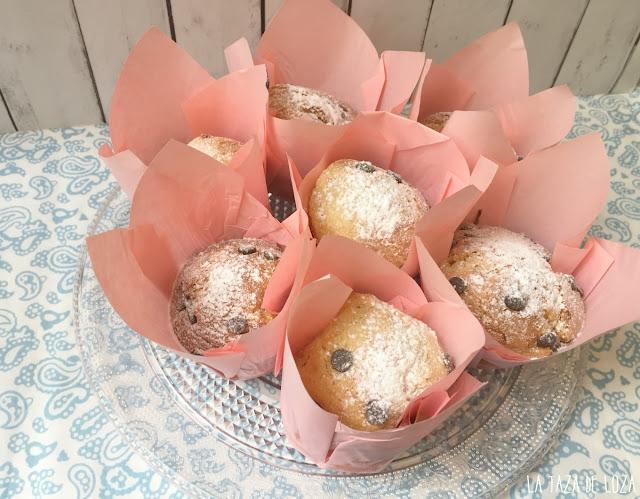 andeja-de-muffins-con-chocolate