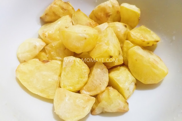 Philips Airfryer, Momaye Cooks, kitchen appliances, food, air fry food, air fryer, kitchen gadget, airfried potatoes