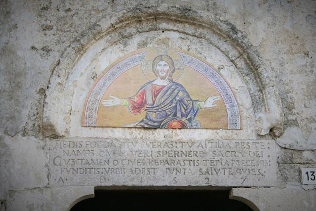 affreschi, chiesa