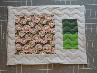 Bold curve quilting makes a visual statement on the placemat
