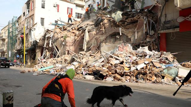 Detectan señales de vida bajo los escombros de un edificio casi un mes después de la explosión de Beirut