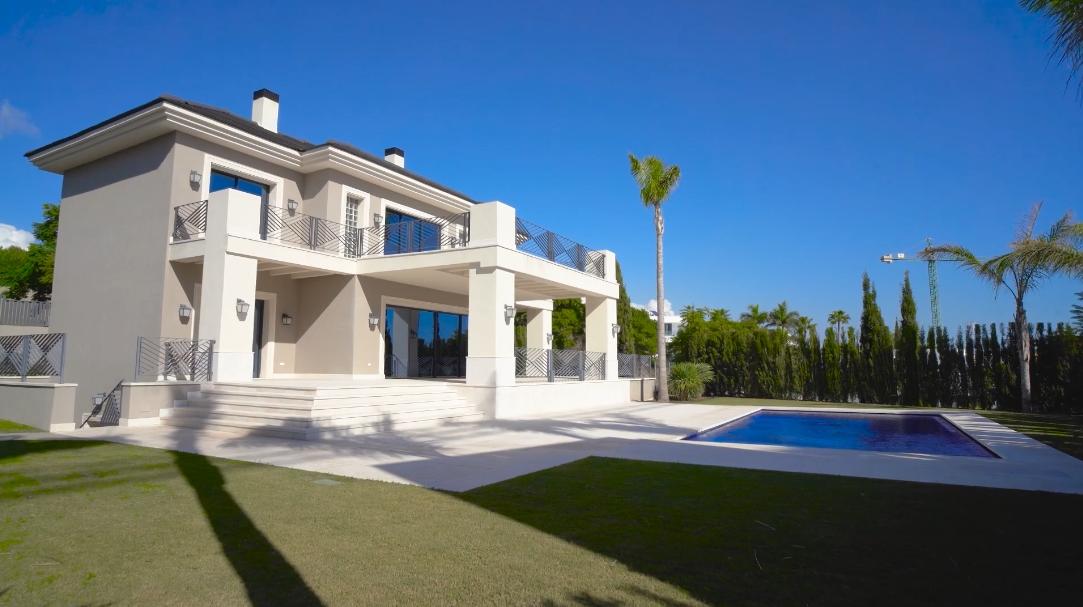 23 Interior Design Photos vs. Villa Flamingos 29 Marbella, Spain Tour